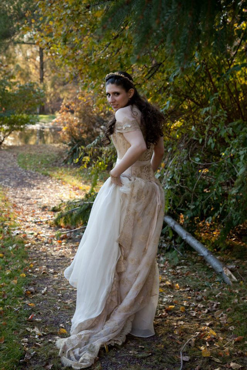 Kahlan Wedding Dress Cosplay from Legend of the Seeker