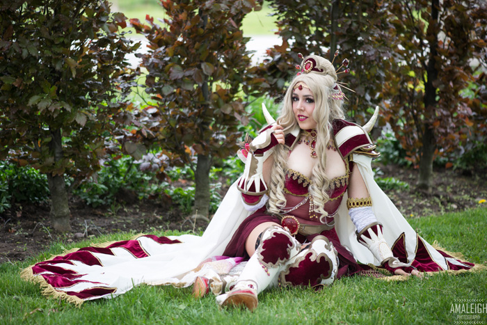 Rosa from Final Fantasy IV Cosplay