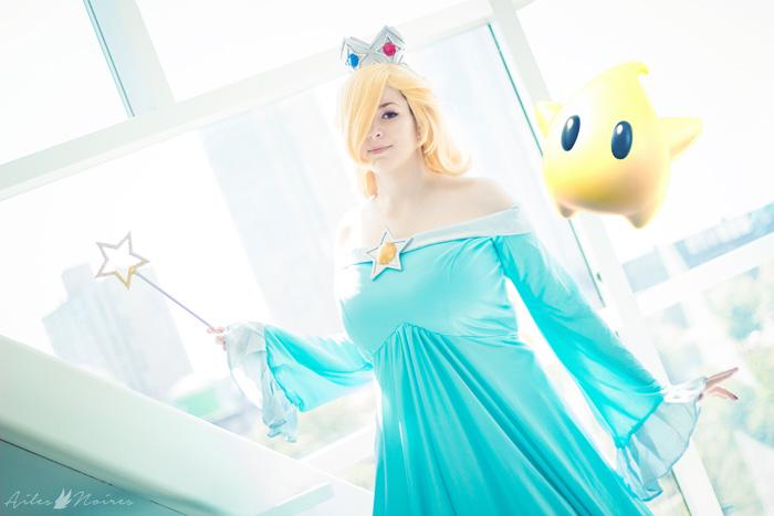Rosalina from Super Mario Galaxy Cosplay