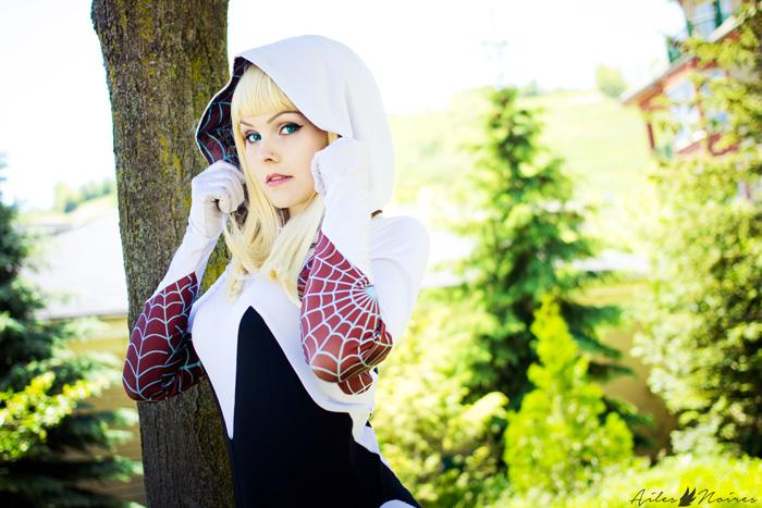 Spider-Gwen Cosplay