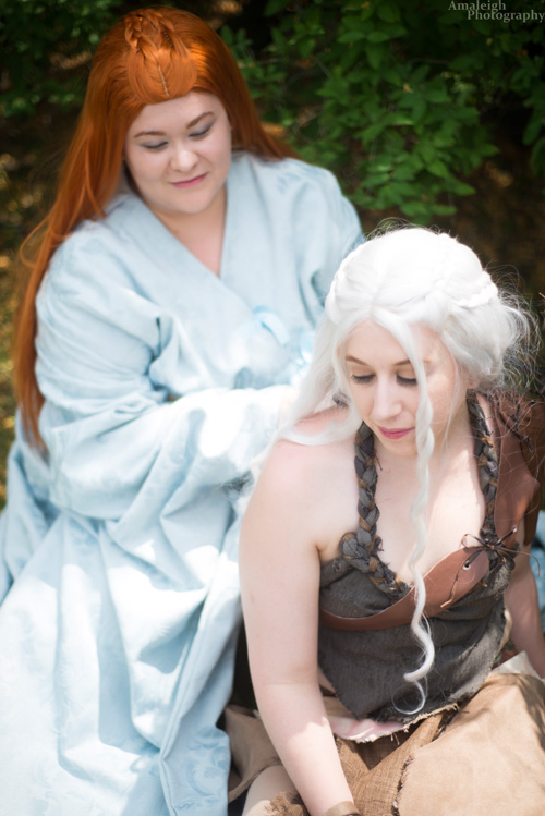 Sansa & Daenerys from Game of Thrones Cosplay