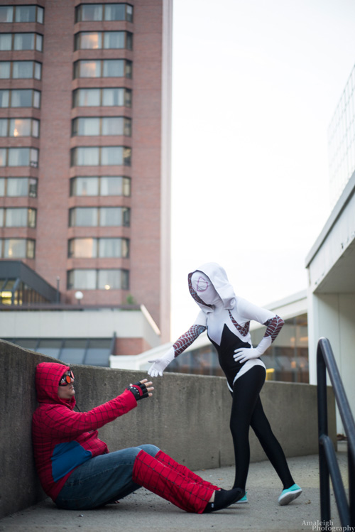 Spider Gwen and Spider-Man of Earth-1988 Cosplay
