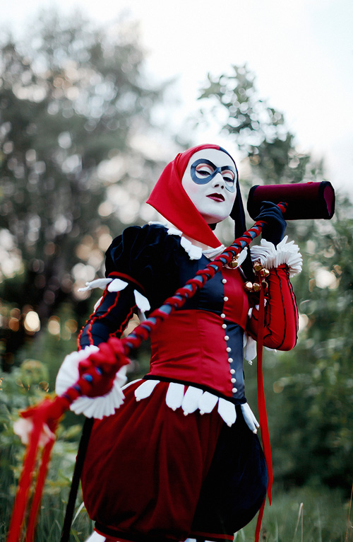 Victorian Circus Harley Quinn Cosplay