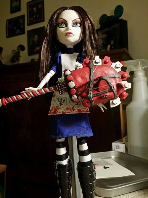 Interview with Jenn Batt (Custom Dolls)