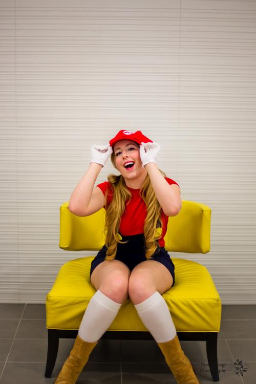 female mario cosplay