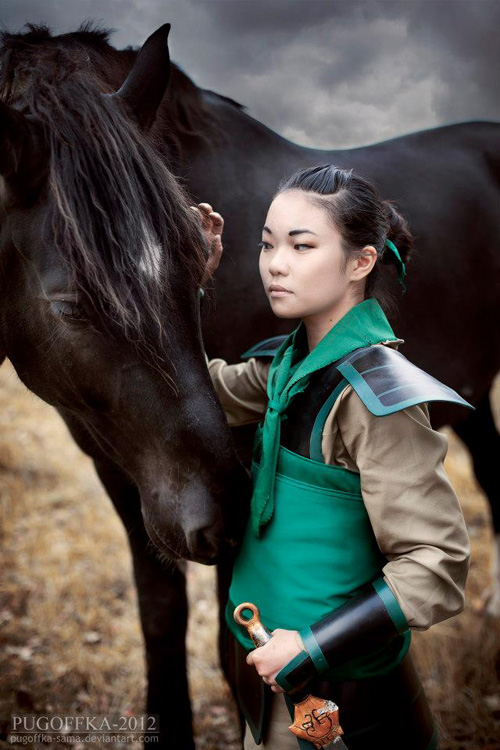 ukrainian cosplayer buta kun looks absolutely perfect as mulan and