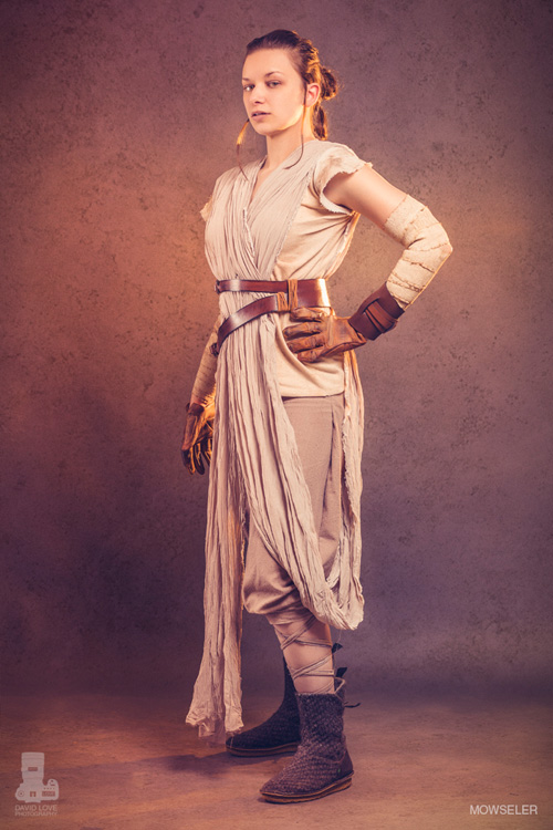 10 Rey from Star Wars: The Force Awakens Cosplays