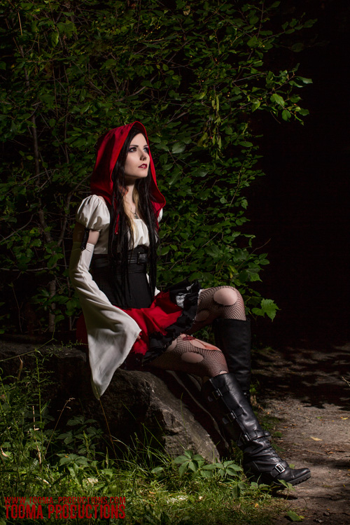 riding cosplay Red hood