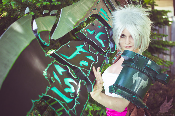 Riven from League of Legends Cosplay
