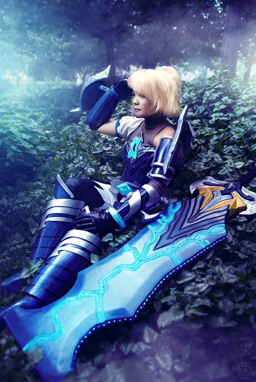 Championship Riven from League of Legends Cosplay