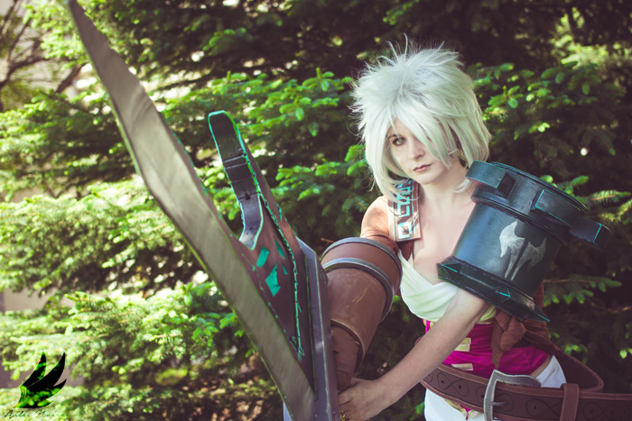 Riven from League of Legends Cosplays