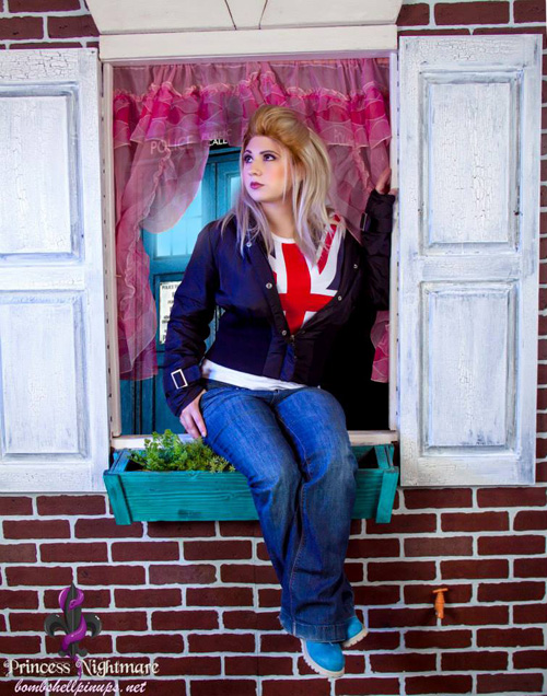 Rose Tyler from Doctor Who Cosplay