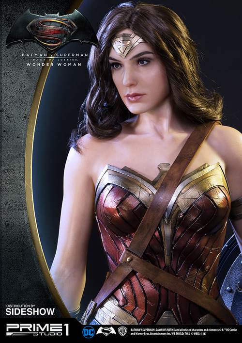 Wonder Woman Polystone Statue