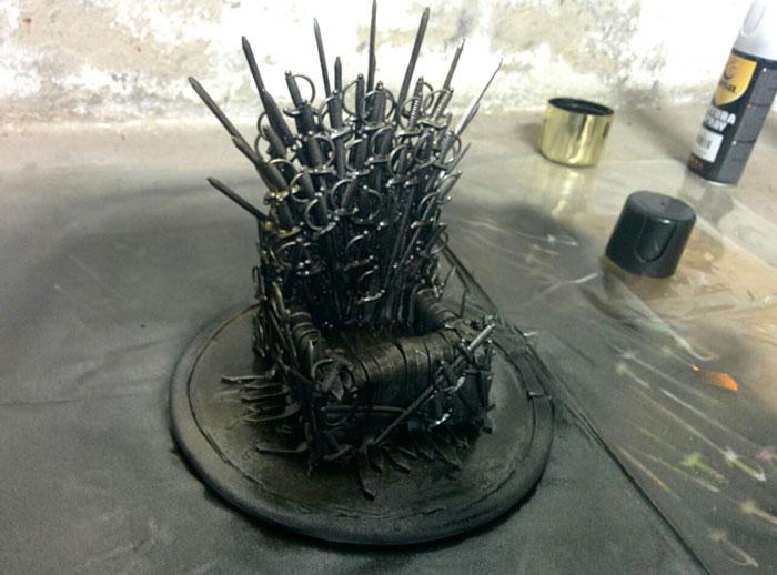 DIY Iron Throne Phone Stand