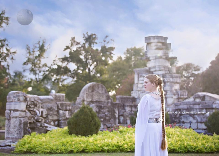 Geek Girls Princess Leia Cosplays