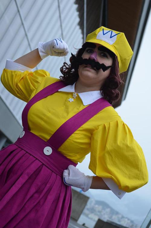 femme wario cosplay