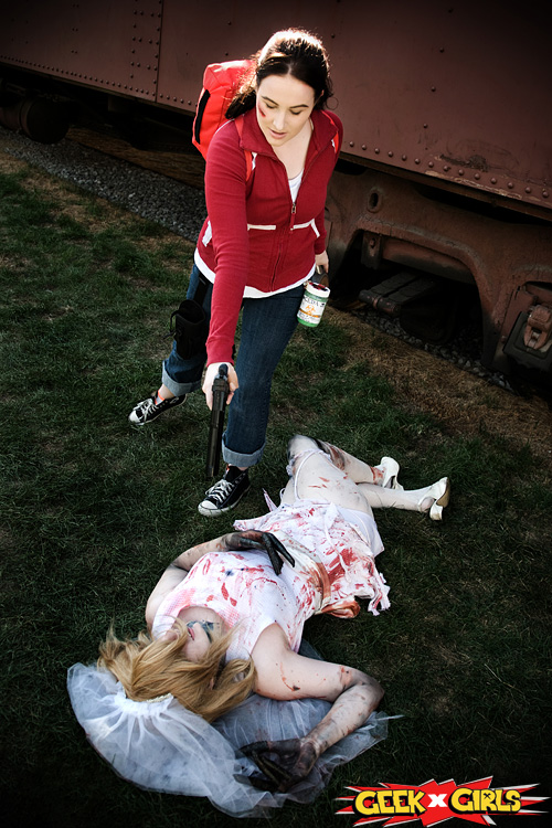 Zoey from Left 4 Dead Cosplay